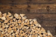 The Pros and Cons of Seasoned Logs and Kiln Dried Logs